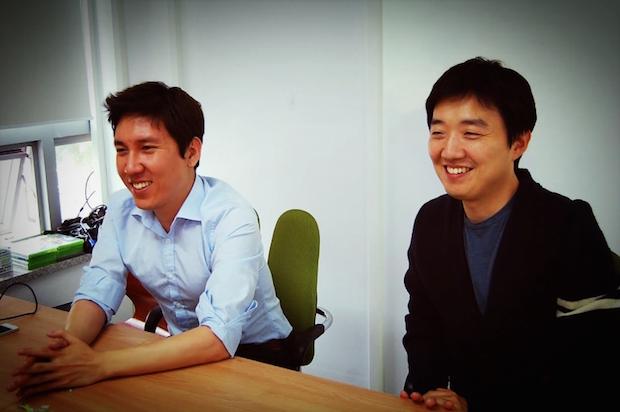 右から:KnowRe代表のキム・ヨンジェ(김용재)氏、副代表のキム・ソジュン(김서준)氏