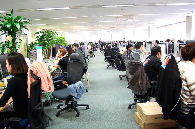 Yello Mobile は、買収した企業のすべての従業員が勤務できるスペースを設けている。総従業員数は1,500人に上る。