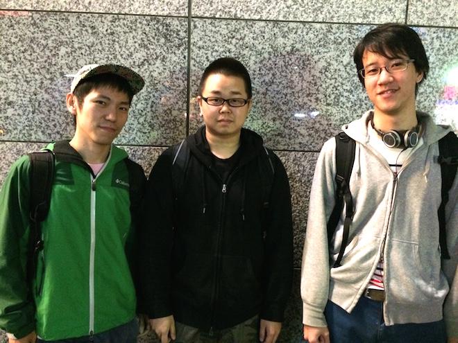 ダラフ創業メンバー、左からデザイナーの寺西勁人氏、代表の斉脇一志氏、プログラマーの大畠健氏