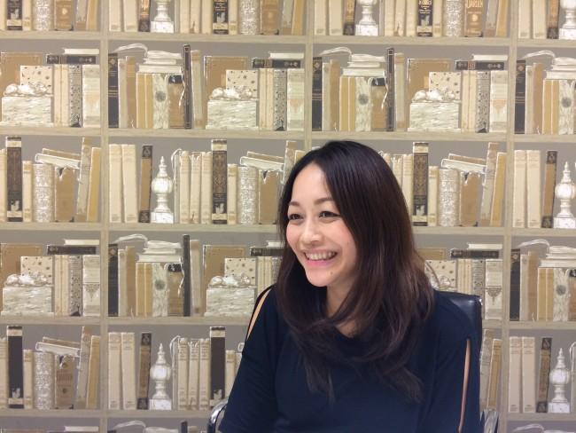 Makiko-Sato-sideways-smile