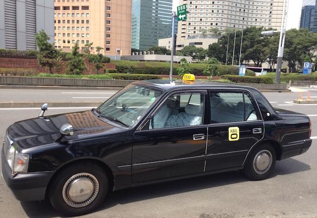 日本で走るヘイローのタクシー(写真は東京・新宿で撮影されたものですが、本稿公開段階で東京でのサービスは開始していません。)