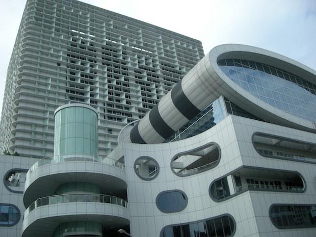 starrocket-building