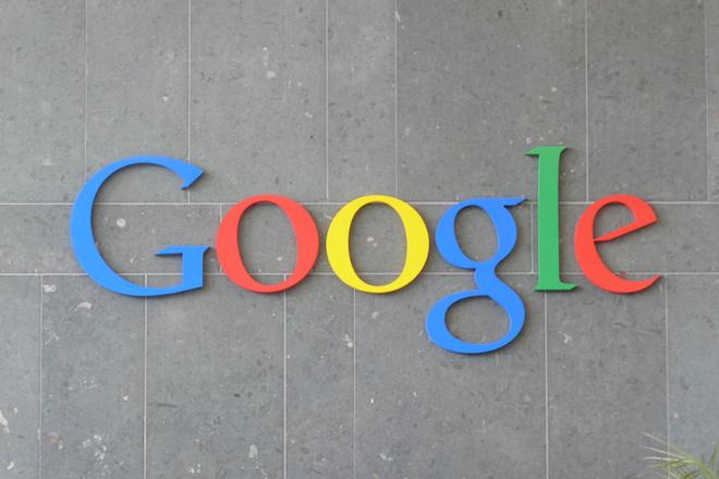 Google-sign-Carlos-Luna-Flickr