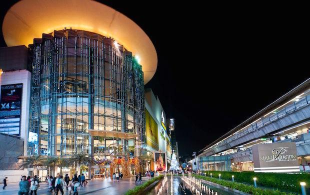 バンコク中心部にあるショッピングモール「Siam Paragon」。