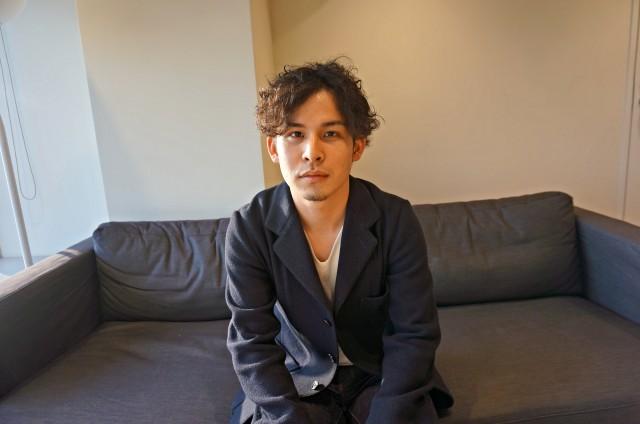 「Holiday」のプロジェクトマネージャーの友巻憲史郎さん