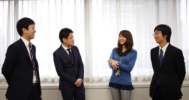 左から:西本裕志氏、宮里孝則氏、津脇慈子氏、鈴木勇人氏