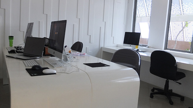 Mac lab at Skystar incubator and co-working space