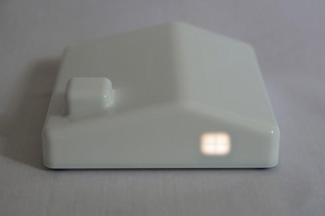 写真や動画が送られて来ると、家に明かりが灯る