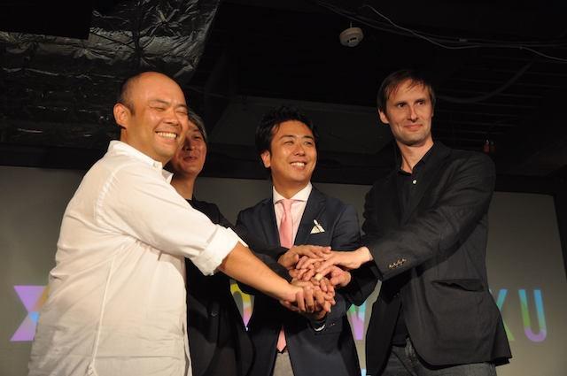 明星和楽2012(福岡)にて、「スタートアップ都市宣言」を行ったパネルディスカッション。髙島宗一郎福岡市長(左から3人目)、孫泰蔵さん(左から1人目)、小笠原治さん(左から2人目)、トニー・ヒューズさん(左から4人目・英国貿易投資総省 Tech City)。