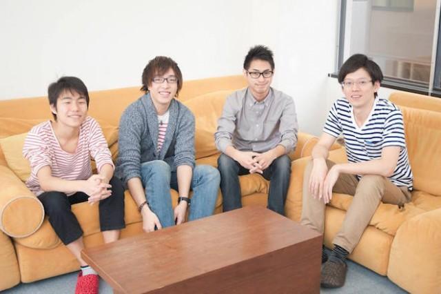 上:academistのチーム、左から左から山内奏人氏、 松本響希氏、鳥居佑輝氏(取締役会長)、柴藤亮介氏(代表取締役社長)