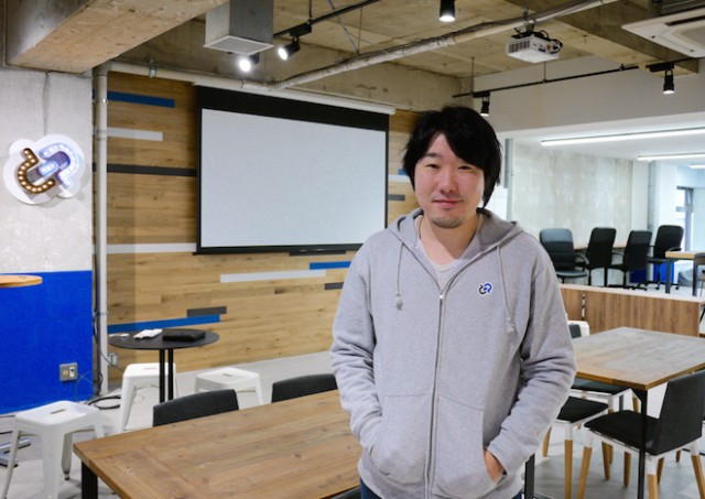 Goodpachの代表取締役社長の土屋尚史氏、増床したばかりのオフィスの新フロアにて。 Credit: Yuki Sato / The Bridge