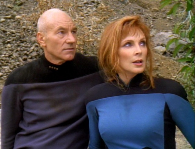 Captain-Picard-and-dr-Crusher