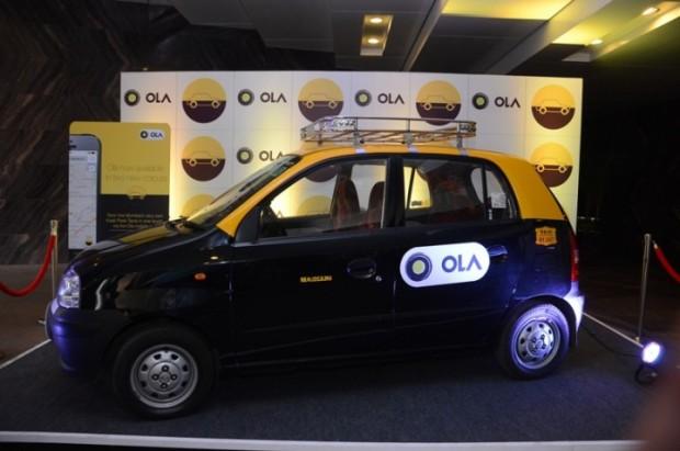 Olaのロゴをつけたインドのタクシー