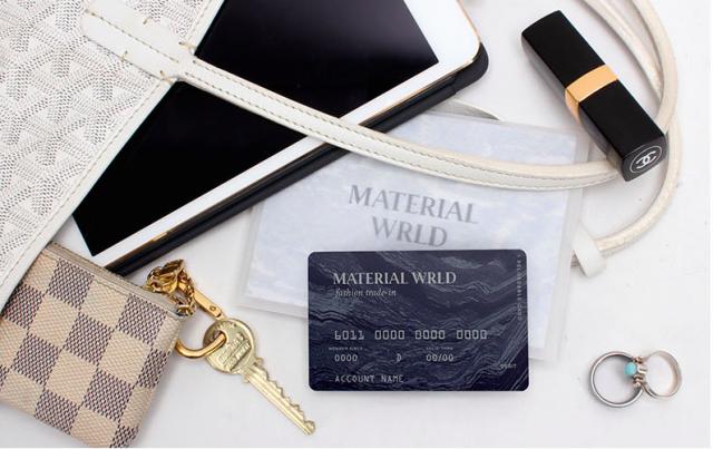 Material Wrldのプリペイド式デビットカード