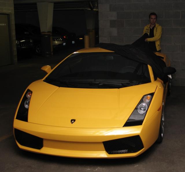 富についてのありふれた誤解: 「ランボルギーニに乗ってる人で不幸せそうな人を見たことがない」
