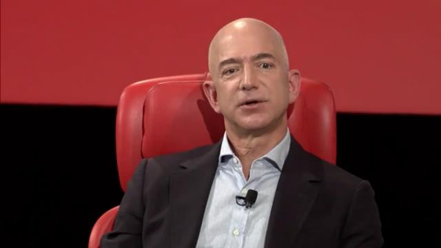 Jeff-Bezos-04-930x523