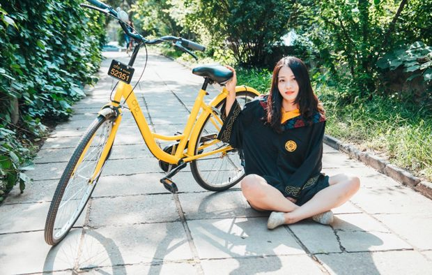 One of Ofo's distinctive yellow bikes. Photo credit: Ofo's Weibo.