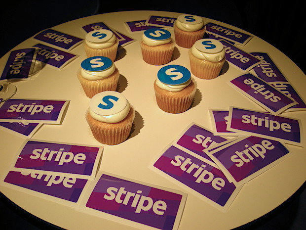 stripe-party-cakes