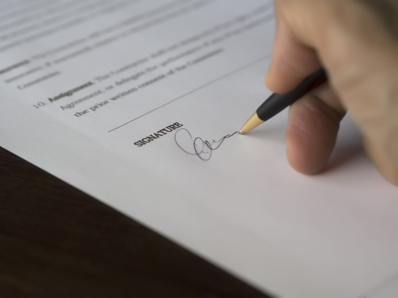 business-signature-contract-document-deal-1.jpg