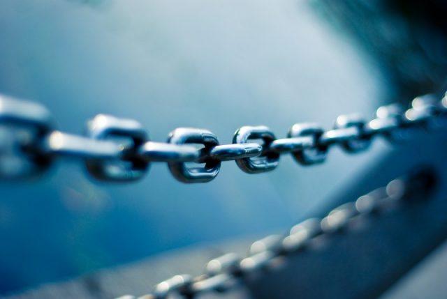 linked-chain-water.jpg