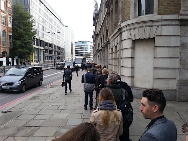 uk-innovate-2015-street-queue