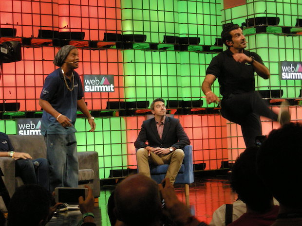 websummit-2016-lisbon-day1-ronaldinho-with-luis-figo