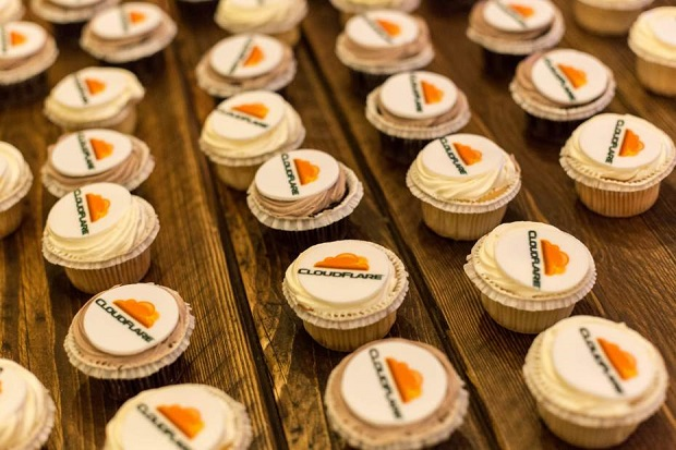 Cloudflare-cupcakes-Davide-DAmico-Flickr